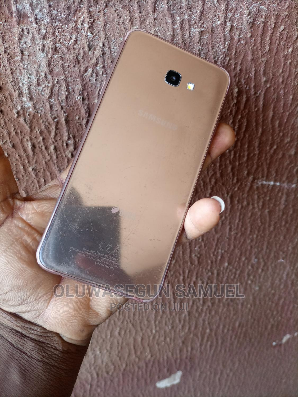 Archive: Samsung Galaxy J4 Plus 32 GB Gold