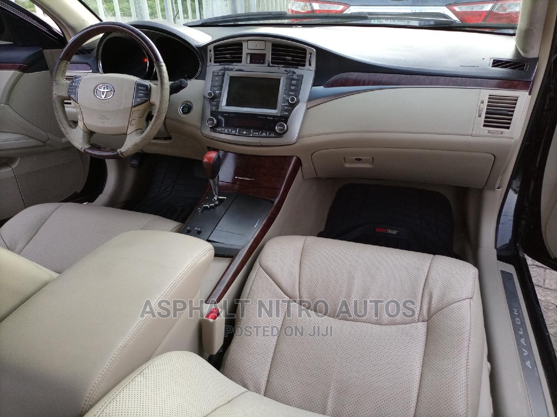 Archive: Toyota Avalon 2010 Limited Black
