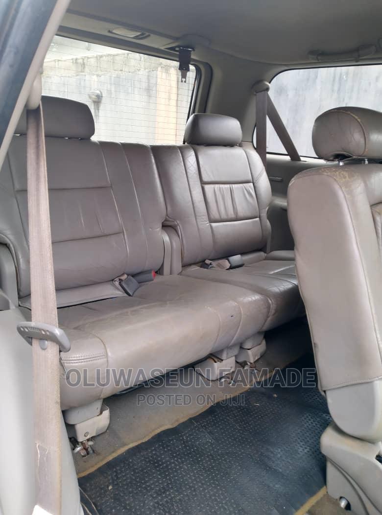 Archive: Toyota Sequoia 2002 Gray