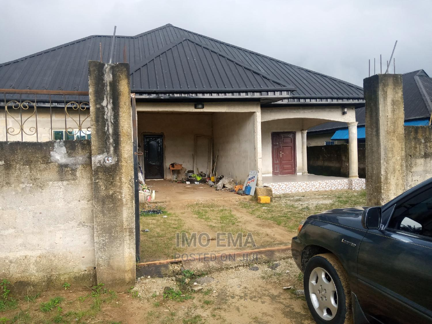 5bdrm Bungalow in Uyo for Sale