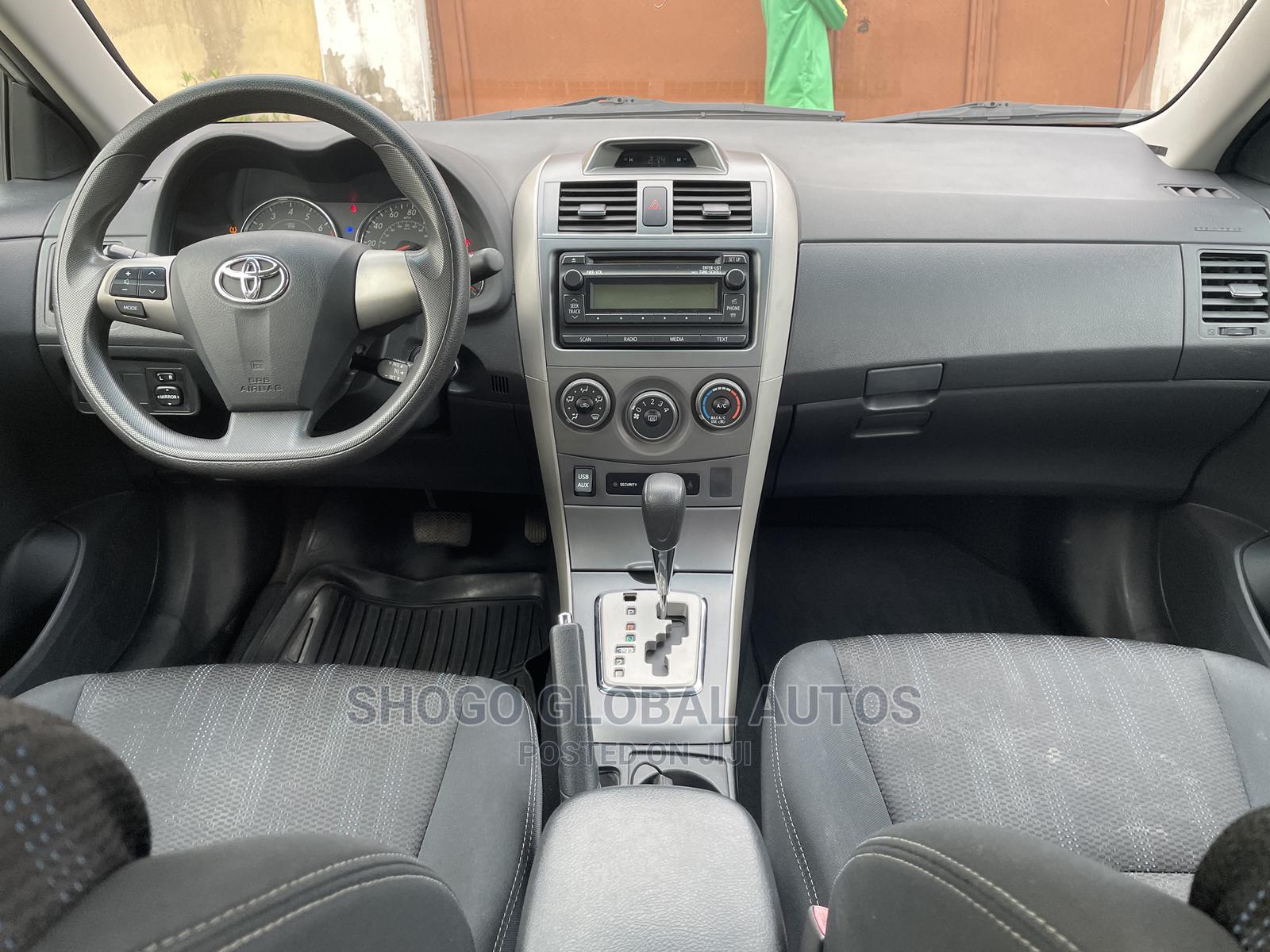 Toyota Corolla 2012 Silver | Cars for sale in Magodo, Lagos State, Nigeria