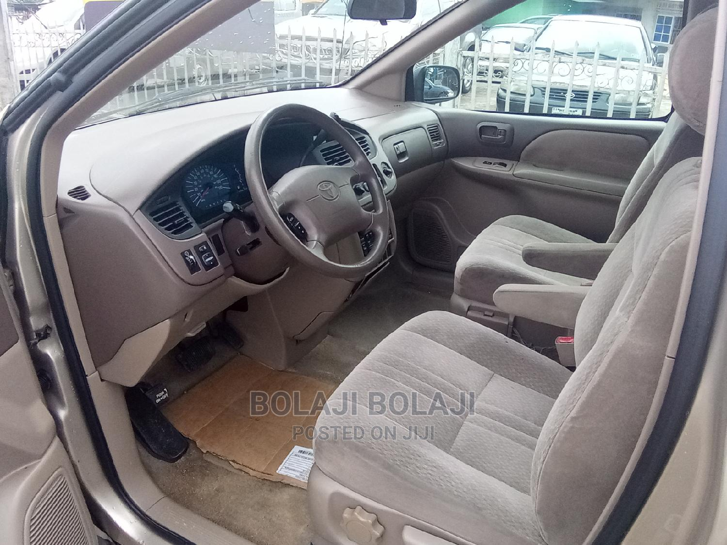 Toyota Sienna 2002 LE Gold   Cars for sale in Port-Harcourt, Rivers State, Nigeria