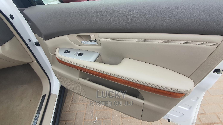 Archive: Lexus RX 2004 White