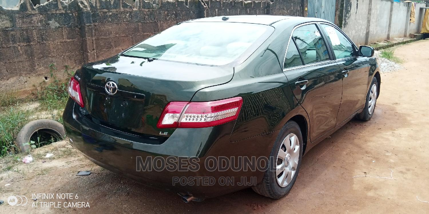 Archive: Toyota Camry 2010 Green