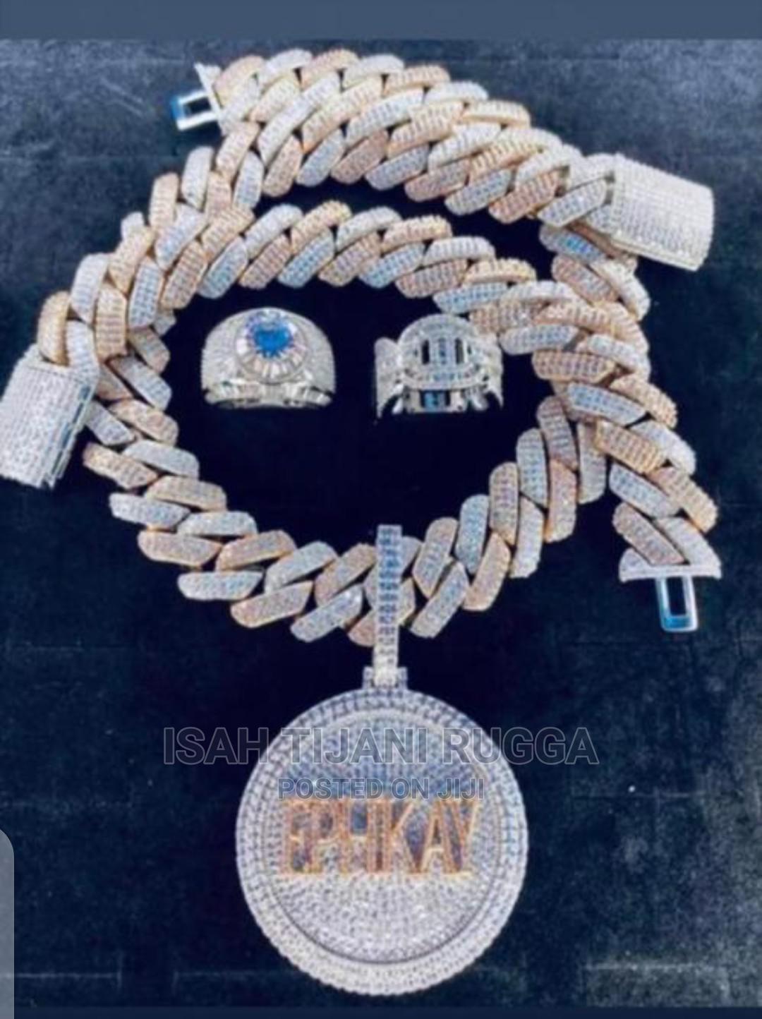 Pure 18karat VVS Diamond