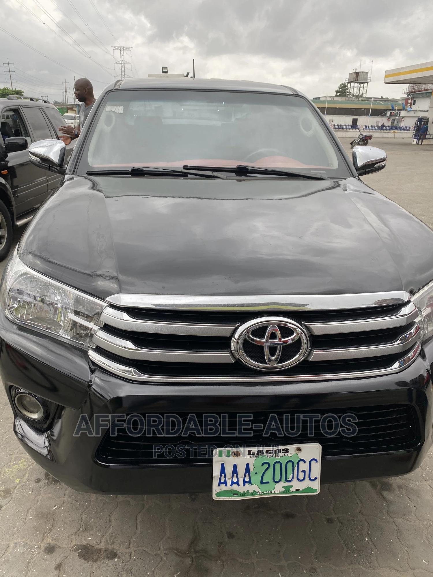 Toyota Hilux 2013 SR5 4x4 Black