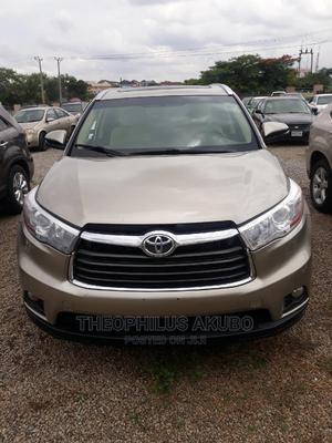 Toyota Highlander 2017 Gold | Cars for sale in Abuja (FCT) State, Jabi