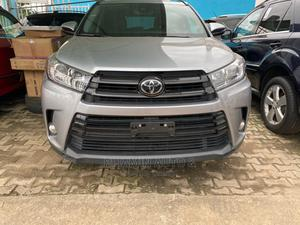 Toyota Highlander 2018 XLE 4x2 V6 (3.5L 6cyl 8A) Gray   Cars for sale in Lagos State, Ikeja