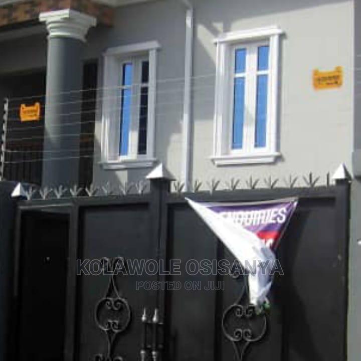 4bdrm Duplex in Gowon, Alimosho for Sale