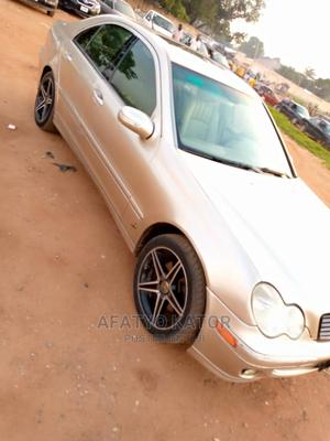 Mercedes-Benz C240 2009 Silver | Cars for sale in Abuja (FCT) State, Gwarinpa