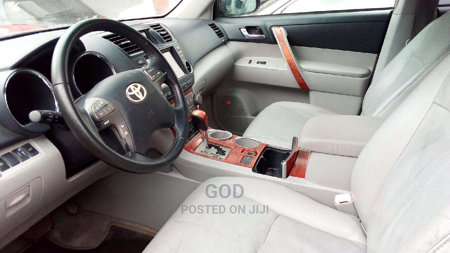 Toyota Sienna 2006 Red   Cars for sale in Ikeja, Lagos State, Nigeria