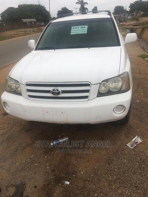 Toyota Highlander 2004 Limited V6 FWD White | Cars for sale in Abuja (FCT) State, Lugbe District
