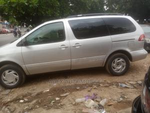 Toyota Sienna 2002 LE Silver | Cars for sale in Lagos State, Magodo
