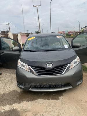 Toyota Sienna 2013 LE AWD 7-Passenger Green   Cars for sale in Lagos State, Ikeja