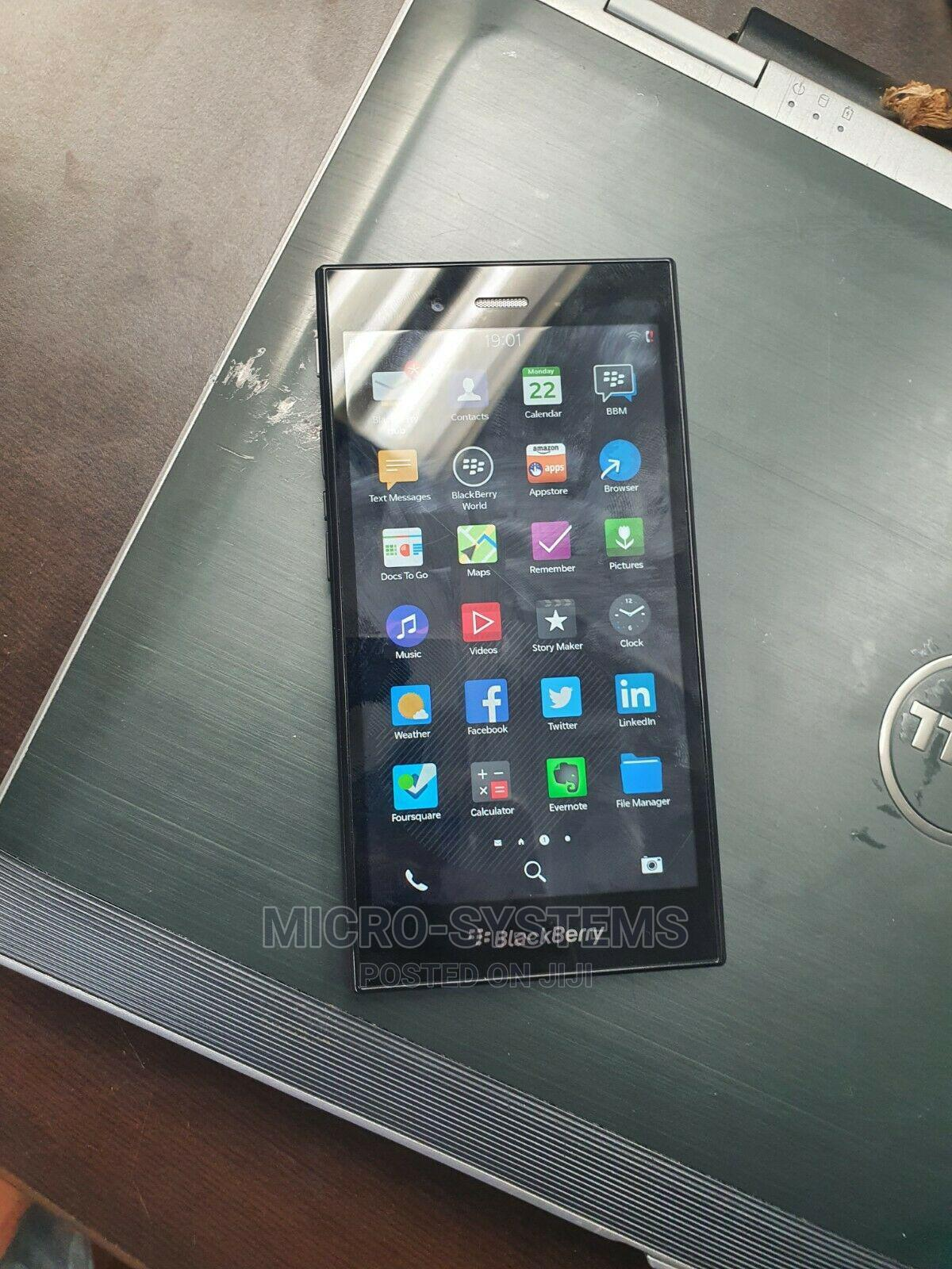 New BlackBerry Z3 8 GB Black