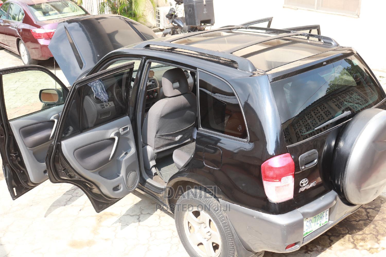 Archive: Toyota RAV4 2003 Automatic Black