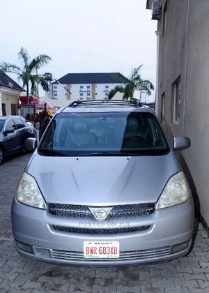 Toyota Sienna 2004 Silver   Cars for sale in Abuja (FCT) State, Kubwa