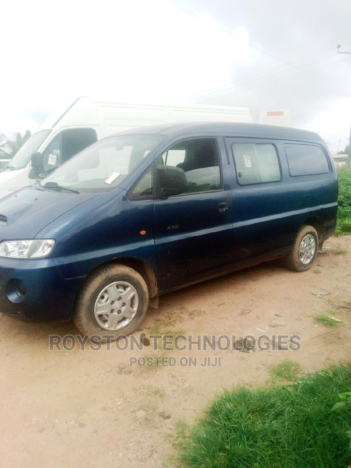 Archive: Foreign Used Hyundai Cargo Van for Sale.
