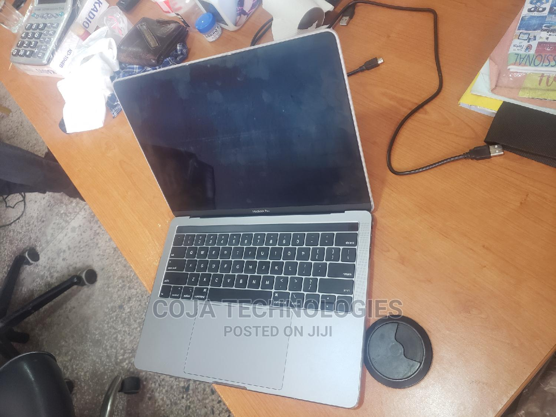Laptop Apple MacBook 2018 8GB Intel Core i5 SSHD (Hybrid) 512GB