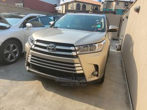 Toyota Highlander 2016 Gold | Cars for sale in Lagos State, Surulere
