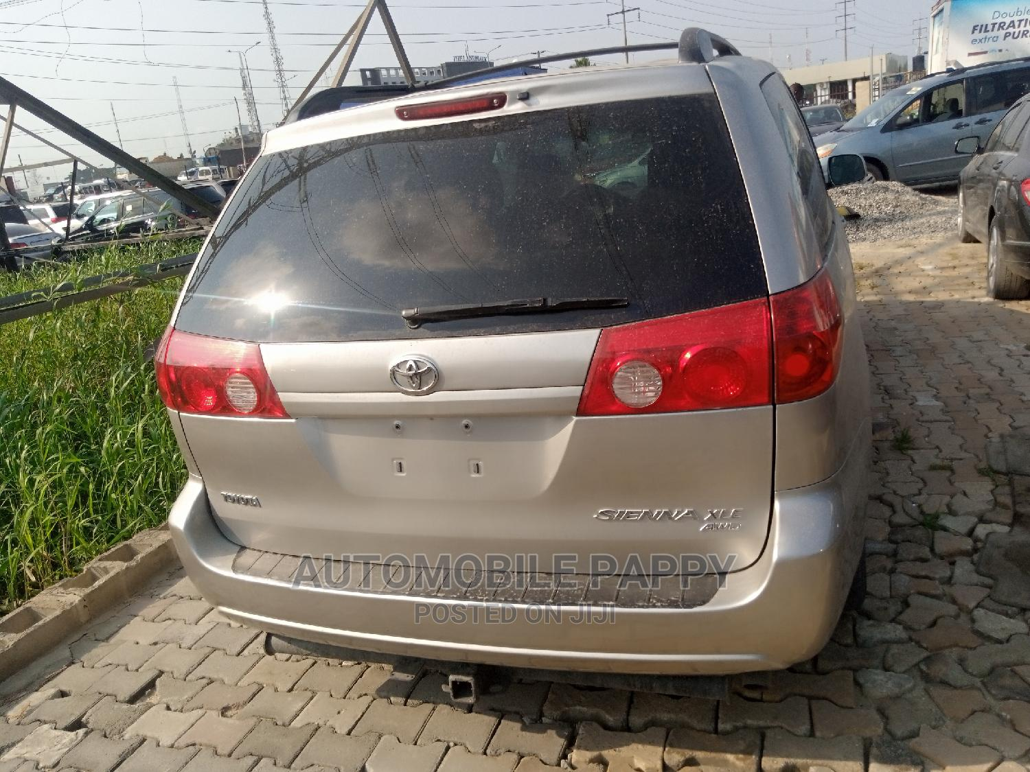 Toyota Sienna 2007 XLE 4WD Silver   Cars for sale in Ajah, Lagos State, Nigeria