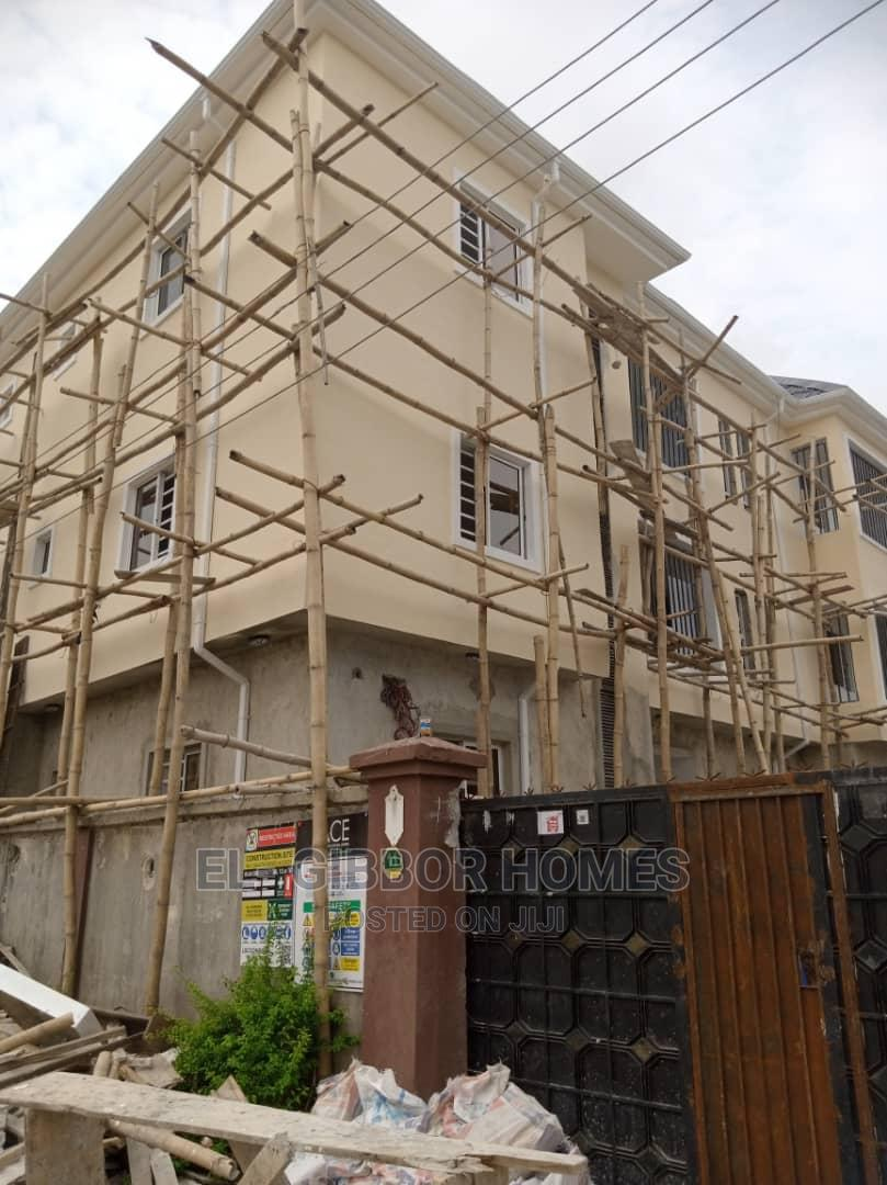 Archive: 2bdrm Block of Flats in Golden Pearl Estate, Off Lekki-Epe Expressway