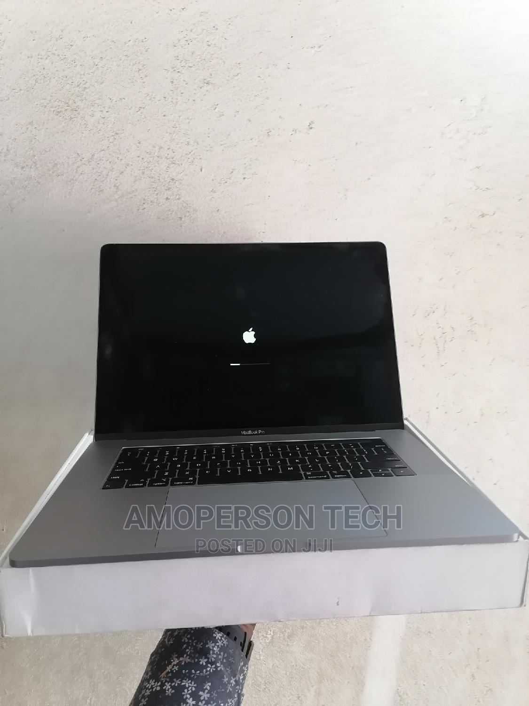 Laptop Apple MacBook Pro 2018 32GB Intel Core I9 SSD 1T