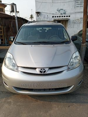 Toyota Sienna 2006 CE FWD Gold | Cars for sale in Lagos State, Surulere
