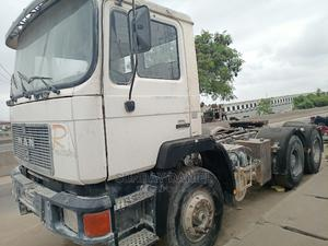 Man 10yres Trailer Head Tokunbo | Trucks & Trailers for sale in Lagos State, Amuwo-Odofin