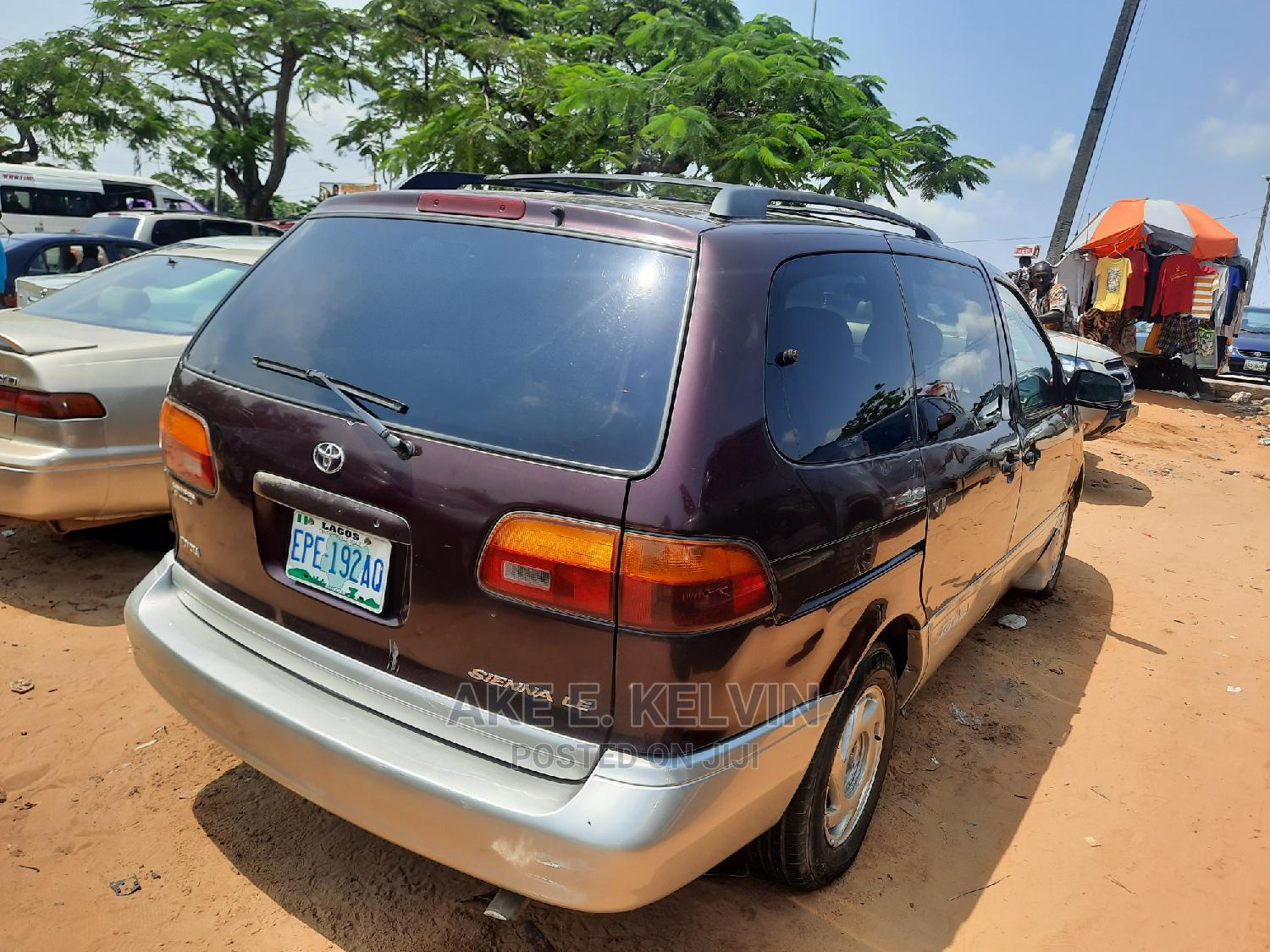 Archive: Toyota Sienna 2000 LE & 1 Hatch Brown