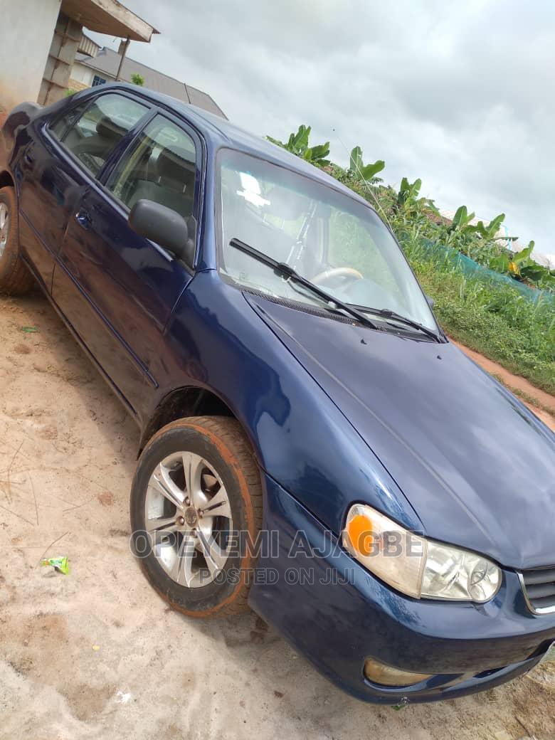 Archive: Toyota Corolla 2001 Sedan Blue