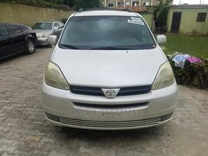 Toyota Sienna 2005 XLE White   Cars for sale in Lagos State, Ajah
