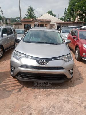 Toyota RAV4 2017 XLE FWD (2.5L 4cyl 6A) Silver   Cars for sale in Anambra State, Onitsha