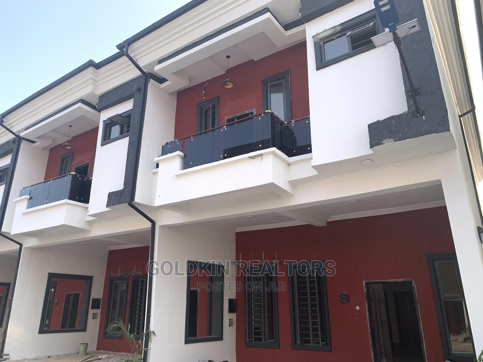 4bdrm Duplex in Ikota Gra Lekki for Sale