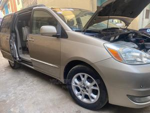 Toyota Sienna 2005 XLE Limited Gold   Cars for sale in Lagos State, Mushin