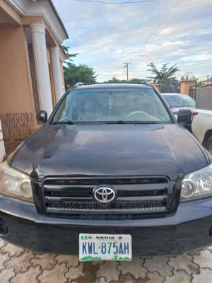 Toyota Highlander 2004 V6 FWD Black | Cars for sale in Abuja (FCT) State, Karu