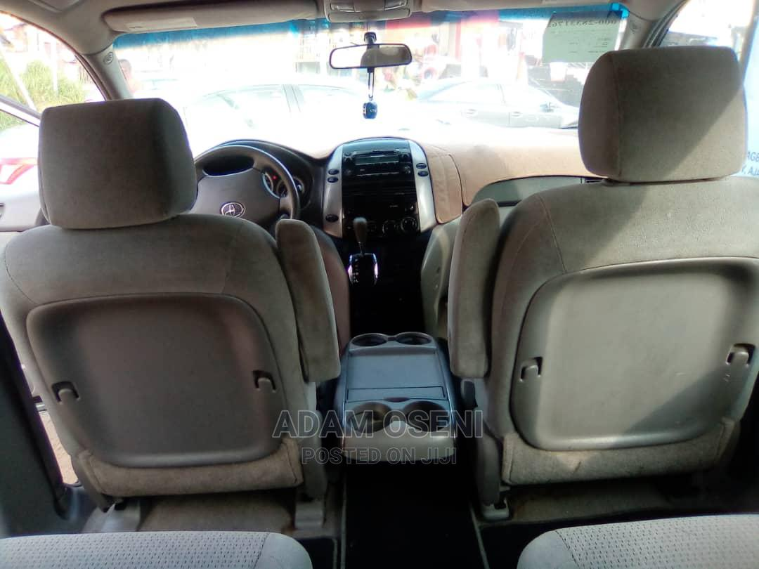 Toyota Sienna 2006 Gray   Cars for sale in Oshodi, Lagos State, Nigeria