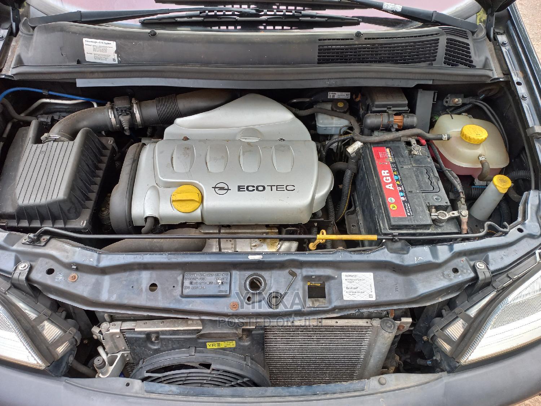 Archive: Opel Zafira 2002 Blue