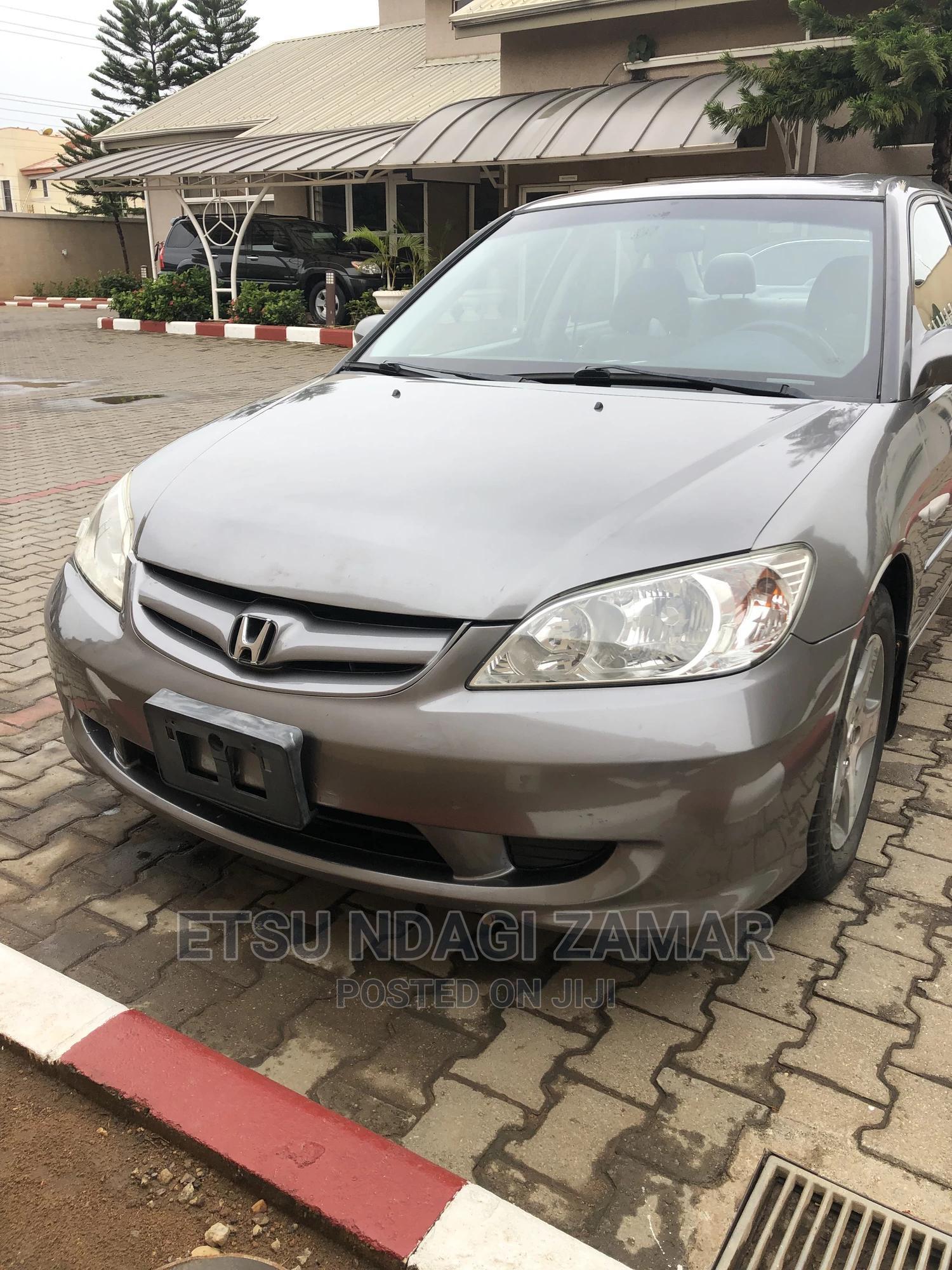 Honda Civic 2005 Gray