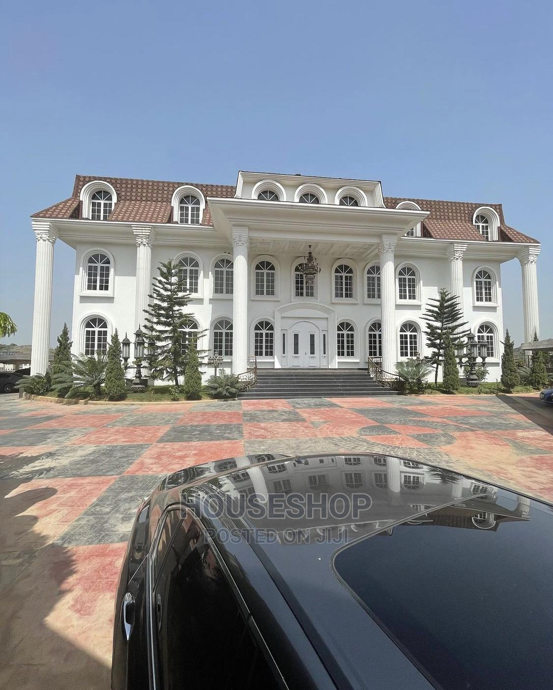 8bdrm Mansion in Asokoro for Sale