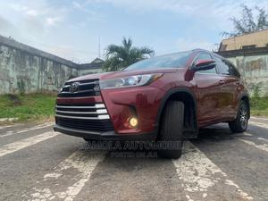 Toyota Highlander 2017 SE 4x2 V6 (3.5L 6cyl 8A) Red   Cars for sale in Lagos State, Ikeja