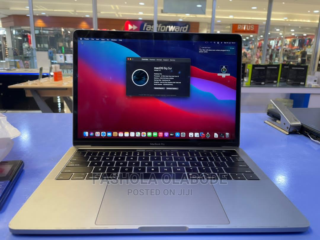 Archive: Laptop Apple MacBook 2019 8GB Intel Core I5 SSD 256GB