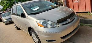 Toyota Sienna 2006 Gold | Cars for sale in Lagos State, Amuwo-Odofin