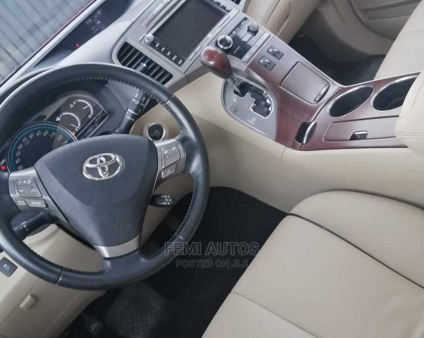 Archive: Toyota Venza 2010 AWD Red
