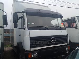 Mercedes Truck 814 20feet White | Trucks & Trailers for sale in Lagos State, Apapa