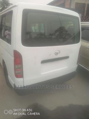 Toyota Harrier 2012 White | Buses & Microbuses for sale in Lagos State, Amuwo-Odofin