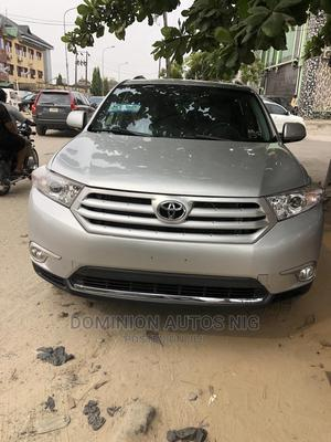 Toyota Highlander 2013 Limited 3.5l 4WD Silver | Cars for sale in Lagos State, Amuwo-Odofin