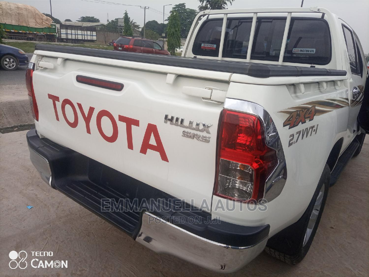 Toyota Hilux 2017 SR White | Cars for sale in Ikeja, Lagos State, Nigeria