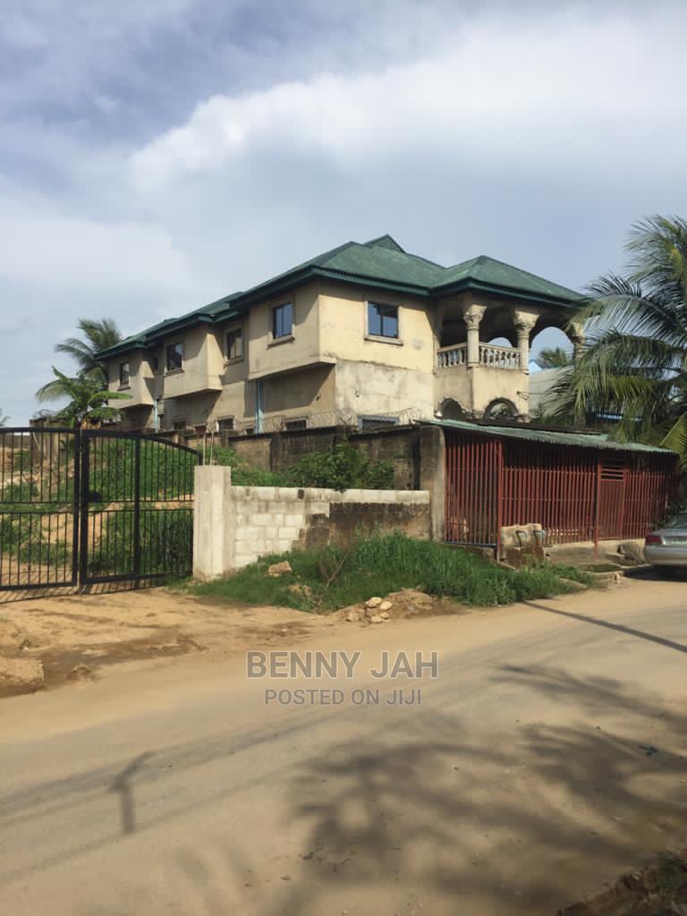10bdrm Duplex in Calabar for Sale