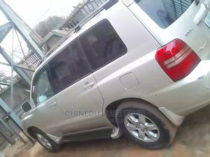 Toyota Highlander 2005 V6 4x4 Gray | Cars for sale in Abuja (FCT) State, Kubwa